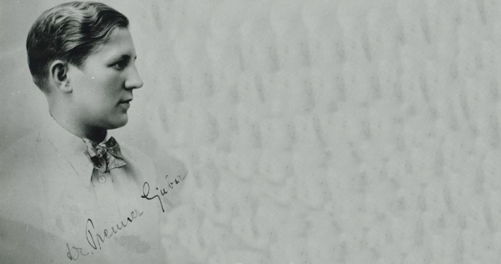 Razstavo o gledališki ustvarjalnosti Dr. Ljube Prenner ob 90. obletnici rojstva in 20. obletnici smrti je pripravil Koroški pokrajinski muzej Slovenj Gradec