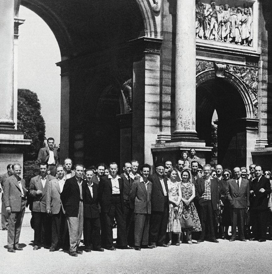 "In 1956, SNT Drama Ljubljana staged a performance of ""The Serfs"" by Ivan Cankar in Paris."
