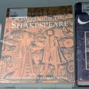 Ob štiristoletnici smrti Williama Shakespeara razstavljamo nekaj našega gradiva