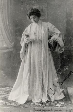 V letu 2018 mineva 150 let od rojstva gledališke igralke Zofje Borštnik Zvonarjeve. Prvič je nastopila pri štirinajstih, leta 1882 v ljubljanski Čitalnici.