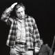 Dušan Jovanović med režijo svoje drame Kdo to poje Sizifa, krstno uprizorjene 12. januarja 1997 v SNG Drama Ljubljana. Foto: Tone Stojko, vir: SLOGI – Gledališki muzej