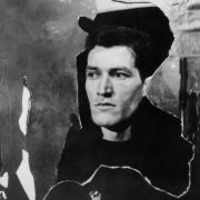 Rudi Kosmač v poetični drami Otroka reke Daneta Zajca (premiera 22. 1. 1962, režiser Taras Kermauner, Oder 57). Foto: Vlastja Simončič. Vir: Ikonoteka SLOGI – Gledališki muzej.